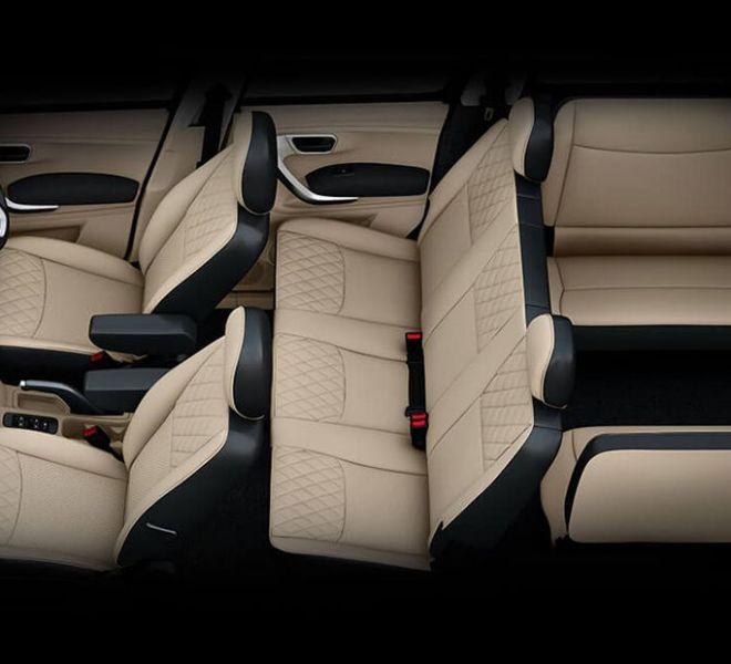 Automotive Mahindra TUV300 Plus Interior-10